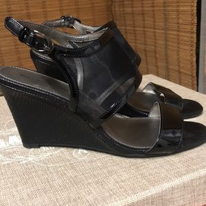 Bandolino snake wedge sandals